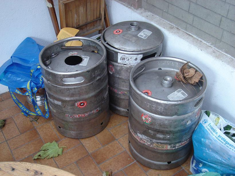 Populaire BrassageAmateur.com • Afficher le sujet - futs de biere vides en  RC57