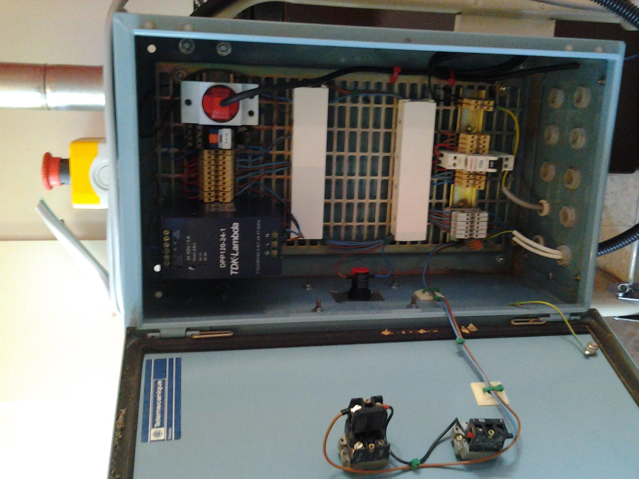 Afficher le sujet armoire lectrique - Voyant armoire electrique ...